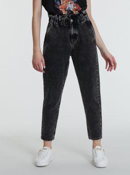 Jeans loose fit con elastico