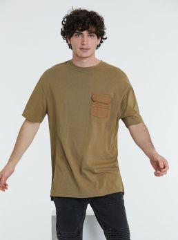 T-Shirt oversize con taschino