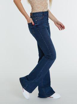 Jeans a zampa di elefante