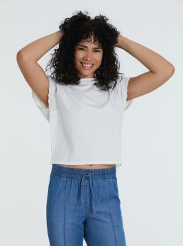 T-Shirt cropped con ricami