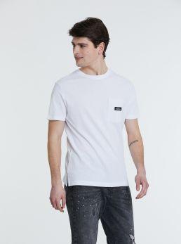 T-Shirt con micro dettaglio