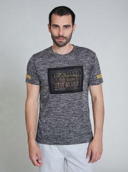 T-Shirt con stampa a rilievo