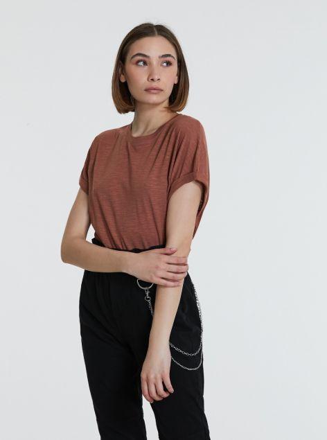 T-shirt manica ampia