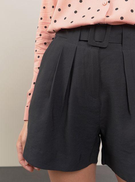 Shorts in tessuto morbido con cintura