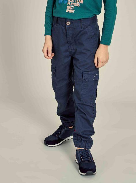 Pantaloni con tasconi laterali