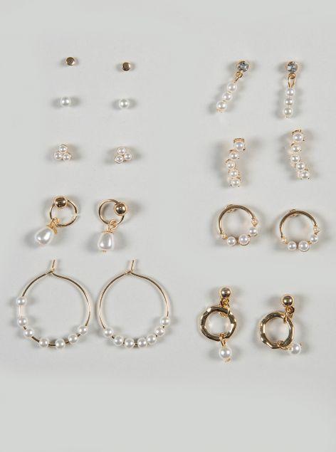 Set orecchini con applicazioni