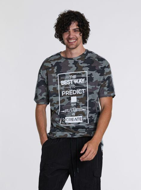 T-shirt con stampa militare