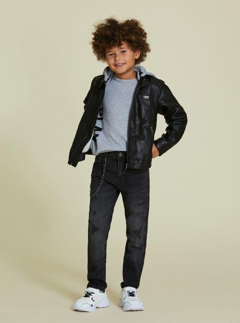 Jeans con catena