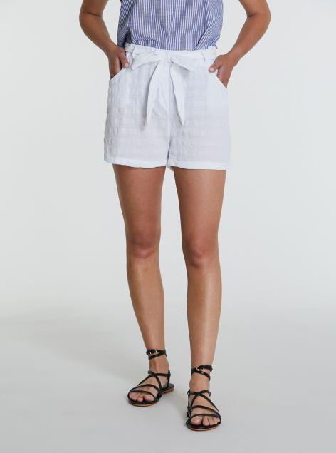 Shorts in lino e cotone con cintura