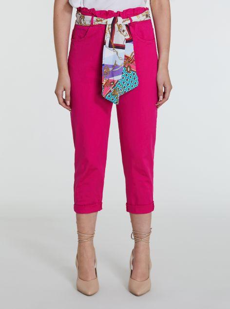 Pantaloni pinocchietto con foulard