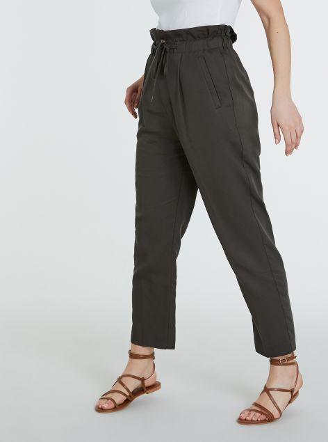 Pantaloni arricciati in vita