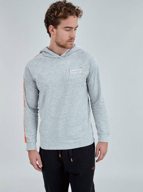 T-Shirt  con cappuccio