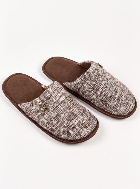 Pantofole con bottone
