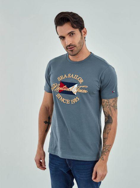 T-Shirt con ricamo sul davanti