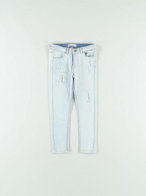 Jeans con perle applicate