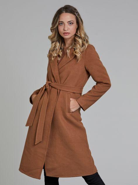 Cappotto con cintura senza bottoni