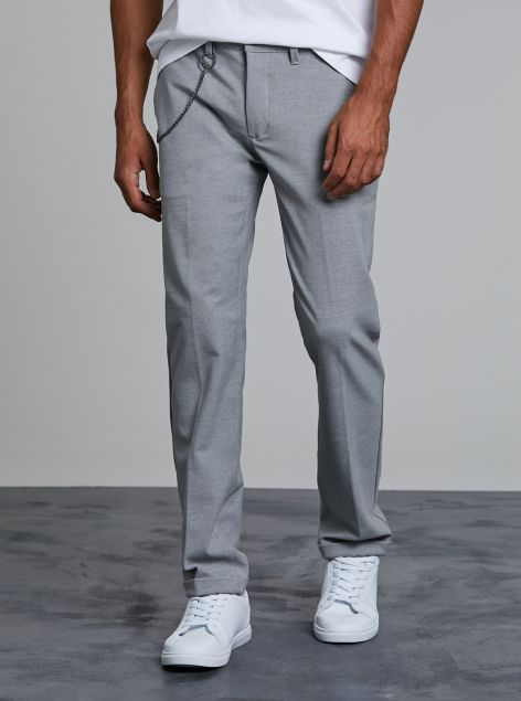 Pantalone chinos con catena