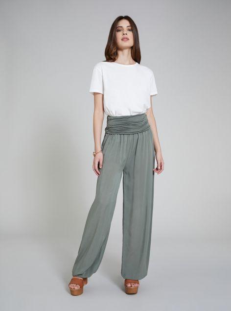 Pantaloni con elastico sul fondo