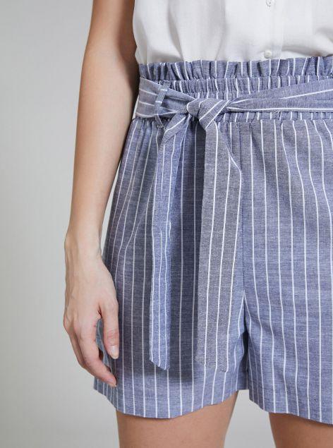 Shorts in cotone con fiocco