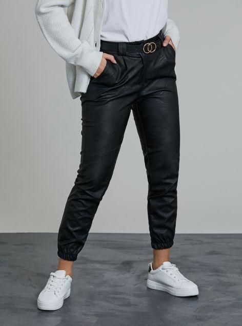 Pantaloni effetto pelle con cintura