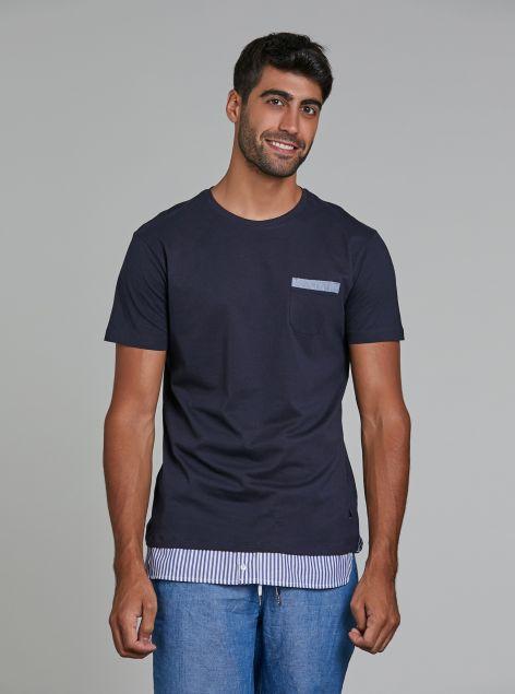 T-shirt con finto taschino