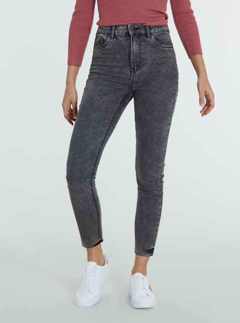 Jeans super-skinny a vita alta