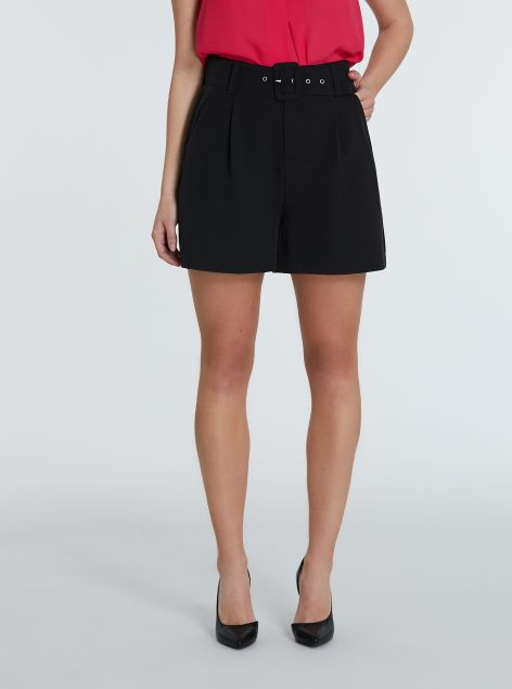 Shorts con cintura