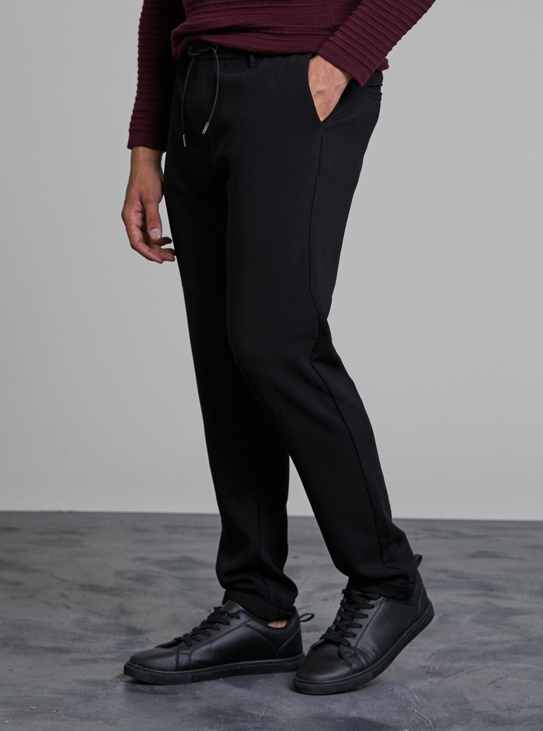 Pantalone con laccio