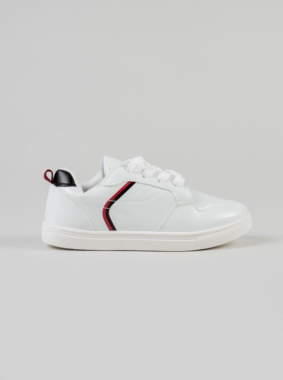 Sneakers con dettaglio
