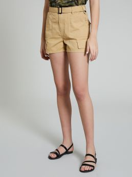 Short con cintura