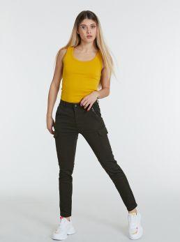 Pantaloni cargo con tasconi